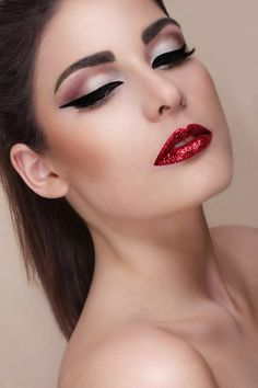 Glitter lips makeup red eye fashion liner shadow fondation