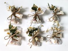 Looking for wedding ideas? These favours are unique and provide your guests with an excellent memory of your special day Soap Gifts, Soap Wedding Favors, Unique Presents, Dry Hands, Soap Making, Yellow Flowers, Dried Flowers, Gift Wrapping, Place Card Holders