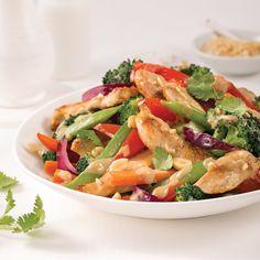 Sauté de poulet aux arachides - Les recettes de Caty Wok, Stir Fry, Pasta Salad, Potato Salad, Fries, Potatoes, Ethnic Recipes, Ricotta, Meatless Lasagna