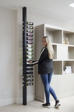 Wine Pole Custom Black # living room inspiration - Decor - Wine pole Custom Black # living room inspiration – Decor Informations About Wijnpaal Custom Black - Wine Shelves, Wine Storage, Wine Rack Design, Home Wine Cellars, Wine Rack Wall, Wood Wine Racks, Wine Wall, Diy Home Decor, Room Decor
