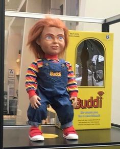 Another look of the Buddi doll 📌 Horror Movies Funny, Scary Movies, Voodoo Rituals, Maya Mia, Childs Play Chucky, Horror Icons, Kids Playing, Dolls, Children