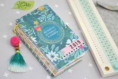 Get creative and make your own 2019 planner! Free monthly calendar printables are included! Free Monthly Calendar, Printable Calendar Template, Kids Calendar, Printable Planner, Free Printables, School Scrapbook Layouts, Scrapbook Albums, Scrapbooking Layouts, Planner Tips