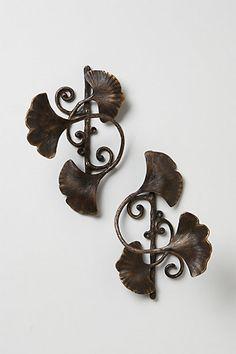 Ginkgo Leaf Tieback - anthropologie.com