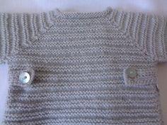 Jersey de bebé de lana gris hecho a mano #handmade
