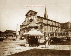 Santa Maria Novella,qualche decennio prima del novecento, credo. L'edicola pagoda ed arrivarono poco dopo 1870/1880