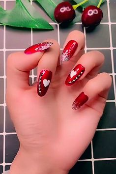 Valentine's Day Nail Designs, Nail Art Designs Videos, Simple Nail Art Designs, Nails Design, Funky Nails, Red Nails, Cute Nails, Nail Art Saint-valentin, Fall Nail Art