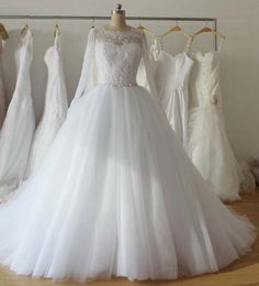 175.00$  Watch here - http://viiyu.justgood.pw/vig/item.php?t=1nqafv54696 - Long sleeve modest button cathedral train tulle Bridal Gown Wedding Dress Bride