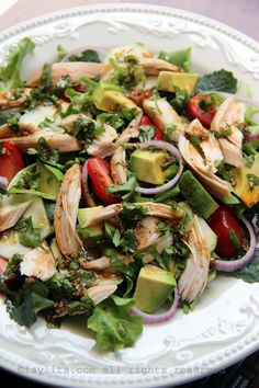 Chicken and vegetable salad with balsamic cilantro dressing.mixed greens, avocado, tomato, cucumber, onions and balsamic cilantro dressing - a great way to use chicken leftovers for a delicious lunch salad. Healthy Dinner Ideas for Delicious Night & Get A Homemade Chicken Salads, Chicken Recipes, Cooked Chicken, Balsamic Chicken, Balsamic Vinegar, Bbq Chicken, Grilled Chicken, Clean Eating, Healthy Eating