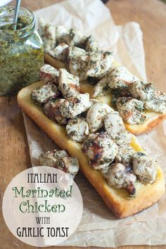 Italian Marinated Chicken with Garlic Toast from @NevrEnoughThyme http://www.lanascooking.com/2014/09/24/italian-marinated-chicken-garlic-toast/ #italian #chicken #gameday #appetizers