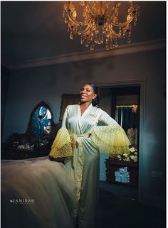 Bride in grand bridal robe Photo: Jamirah Pro Bride Pictures, Bridal Robes, Wedding Invitations, Saree, Fashion, Moda, Bridal Pictures, Fashion Styles, Wedding Invitation Cards
