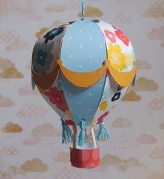 Balão decorativo.  Feito 100% com papel de scrapbook 180 gramas.  Posso fazer em outras cores.