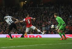 Arsenal 3 Newcastle 0 - Kos gets our first!