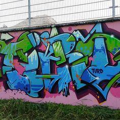 #graffiti #graffitipiece #graff #ironlak #montanablack #turd #graffitisucks by turdgraffiti