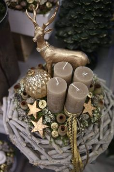 Creating a Rustic Winter Christmas Centerpiece can be easier than you think. Come see these creative ideas for creating your own Rustic Winter Centerpiece! Cheap Christmas, Rustic Christmas, Simple Christmas, Winter Christmas, Christmas Home, Christmas Wreaths, Christmas Ornaments, Primitive Christmas, Christmas Snowman