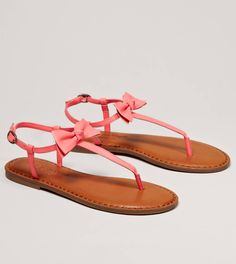 inspiration summer 2013 - Bow T-strap sandal - American Eagle Outfitters Cute Sandals, T Strap Sandals, Cute Shoes, Me Too Shoes, Flat Sandals, Coral Sandals, Women's Shoes, Keds, Timberlands