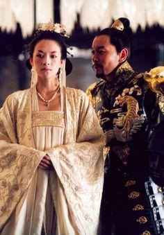 """Zhang Ziyi and Ge You in Feng Xiaogang's """"The Banquet"""" (2006) #hanfu"""