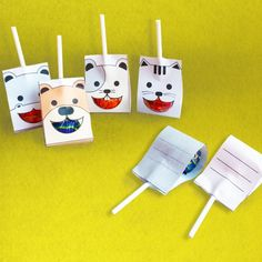 Cute animal lollipop package printables that fits one lollipop inside. Simply cut out the free printable and glue it close.