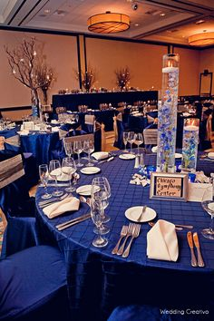I like the centerpieces in this pic