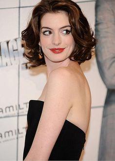 Fabulous Custom Celebrity Hair Style Short Wavy Hand Tied Full Lace100% Human Hair Wig