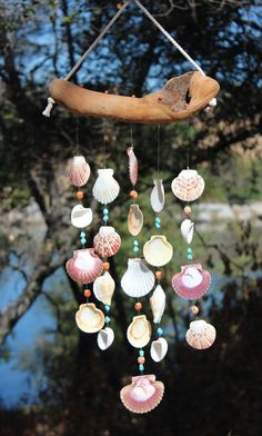 diy wind chimes windchimes \ diy wind chimes ` diy wind chimes for kids ` diy wind chimes easy ` diy wind chimes suncatchers ` diy wind chimes how to make ` diy wind chimes recycled ` diy wind chimes boho ` diy wind chimes windchimes Seashell Mobile, Seashell Art, Seashell Crafts, Diy Resin Crafts, Sea Crafts, Diy Arts And Crafts, Seashell Wind Chimes, Diy Wind Chimes, Deco Marine