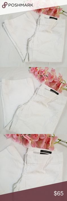 Club Monaco white pants In perfect condition like new, worn only 1x. 29in inseam with a slight flear on the bottom Club Monaco Pants