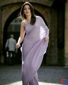 Looking very hot 🔥😍😘😊😍❤️ wearing beautiful saree with mini blouse Beautiful Girl Indian, Beautiful Saree, Beautiful Indian Actress, Beautiful Actresses, Bollywood Images, Indian Bollywood, Bollywood Actress, Bollywood Celebrities, Hot Actresses