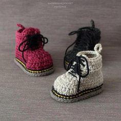 Crochet PATTERN Martens style booties | Etsy #docmartensoutfits