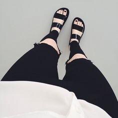 I want sandals!!!