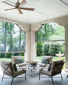 Seamless, electronically-powered screen panels allow these homeowners to enjoy the great outdoors sans mosquitoes. Design: @heatherdewberry Arcitecture: @harrisondesign : Erica George Dines