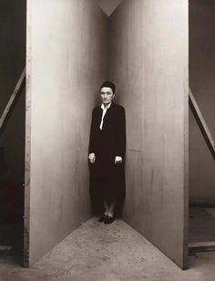 Irving Penn's Corner Portraits (1948) / Georgia O'Keeffe