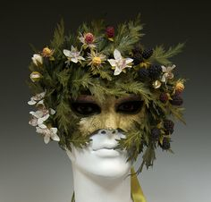 Imagine removing this mask to reveal a lovely delicate face makeup underneath, showing the 2 sides of the Daonie Sidhe - wild, untamed nature & beautiful, intoxicating delicacy