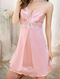 Pin by Yani Therán on Sewing in 2019 Belle Lingerie, Lingerie Rose, Lingerie Mignonne, Sexy Lingerie, Lingerie Sleepwear, Nightwear, Silk Sleepwear, Sleepwear Women, Sexy Outfits