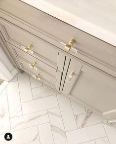 Home Remodeling Bathroom Super home design grey master bath ideas Bathroom Drawers, Bathroom Renos, Bathroom Flooring, Bathroom Renovations, Home Remodeling, Master Bathrooms, Small Bathrooms, Painted Bathroom Cabinets, Master Bath Tile