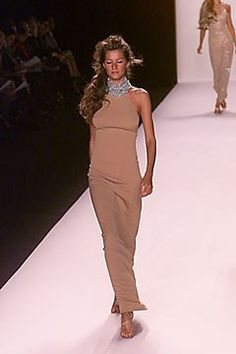 Michael Kors Collection Spring 2000 Ready-to-Wear Fashion Show Micheal Kors Bags, Michael Kors Clutch, Handbags Michael Kors, Mk Handbags, Michael Kors Outlet Sale, Hamilton, Gisele Bündchen, Michael Kors Collection, High End Fashion
