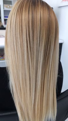 Blonde Hair Looks, Ash Blonde Hair, Hair Highlights And Lowlights, Balayage Hair, Gorgeous Hair, Hair Lengths, Dyed Hair, Hair Inspiration, Cool Hairstyles