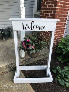 This Cricut welcome sign is a great weekend project. It's not too complicate… This Cricut welcome sign is a great weekend project. It's not too complicated and a DIY plant hanger makes a lovely addition to the front yard, porch, or give it as a gift! Wood Projects For Beginners, Diy Wood Projects, Woodworking Projects, Woodworking Plans, Woodworking Furniture, Woodworking Videos, Woodworking Equipment, Woodworking Workshop, Cricut