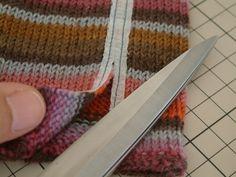 着なくなったセーターでおしゃれ秋冬小物や雑貨をリメイク♡ - Locari(ロカリ)