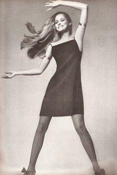 Lauren Hutton, Vogue, 1966