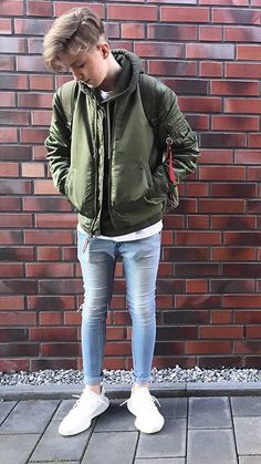 I Love Skinny Jeans ! (via hotlump) Tight Jeans Men, Superenge Jeans, Boys Jeans, Spray On Jeans, Lined Jeans, Super Skinny Jeans, Mens Clothing Styles, Men's Clothing, Tights