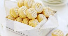 Melting moments These sweet, melt-in-your-mouth biscuits are a beloved Australian classic. Lemon buttercream sandwiched between delicate shortbread biscuits Melting moments These sweet, melt-in-your-mou Anzac Biscuits, Shortbread Biscuits, Biscuit Cookies, Biscuit Recipe, Lemon Biscuits, Shortbread Bars, Cookie Cups, Melting Moments Biscuits, Melting Moments Cookies