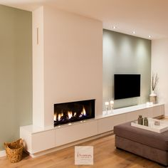 Looking for the right fireplace? Take a look at these inspirations! Living Room Decor Fireplace, Home Fireplace, Modern Fireplace, Fireplace Design, New Living Room, Home And Living, Home Interior Design, Living Room Designs, New Homes