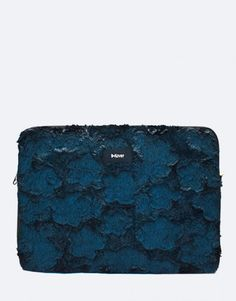 funda-portátil-pelo-azul Collection, Electric Blue, Blue Nails, Notebook Covers, Plushies