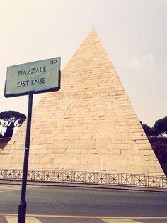Piramide- bedbreakfastromare.it