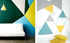 peinture géométrique comme accent dans l'intérieur - nuances de vert, bleu, jaune et gris