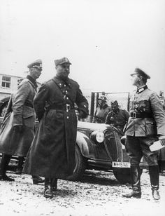 Invasion of Poland: General Tadeusz Kutrzeba, the Deputy CO of the Army 'Warsaw' (Armia 'Warszawa'), arriving to negotiate the surrender of Polish capital with General Johannes Blaskowitz, the Commander of the German Army. Pin by Paolo Marzioli Poland Ww2, Invasion Of Poland, Warsaw, World War Two, Wwii, Germany, Military, 27 September, Biographies