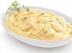 Purê de Batata Philadelphia - Cozinhe em água as batatas, descasque e processe. Adicione o Cream Cheese Philadelphia, o leite e o queijo ralado. Coloque o sal e a pimenta e sirva. Frite o alho em fatias, em bastante azeite. Jogue sobre o purê para dar outro sabor.