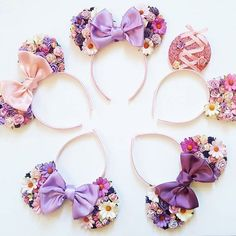 We start with the craft workshop courses: learn how to make minde headbands . - We start with the craft workshop-courses: learn how to make minnie mouse headbands step by step - Disney Diy, Diy Disney Ears, Disney Mickey Ears, Disney Crafts, Cute Disney, Mickey Ears Diy, Disney Bows, Minnie Mouse Headband, Disney Headbands