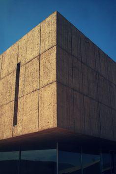 Obra: Museu do Côa Arquitectura: Camilo Rebelo e Tiago Pimentel Localização: Foz Côa, Portugal Fotografia: Javier Callejas