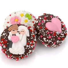 Find Wedding Chocolate Oreos®-Indivually Wrapped with quantity discounts here, along with other wedding favors and shower gifts. Edible Favors, Edible Wedding Favors, Party Favors, Cookie Favors, Cookie Gifts, Chocolate Dipped Oreos, Melting Chocolate, Personalized Cookies, Wedding Cookies