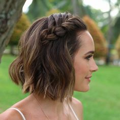A fishtail crown braid is a stunning look for you or your bridesmaids. Image:   Instagram/@costatto